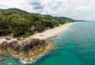 /la-luz-beach-resort-spa/hotel/batangas-ph.html?asq=vrkGgIUsL%2bbahMd1T3QaFc8vtOD6pz9C2Mlrix6aGww%3d