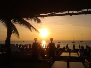 Surin Sweet Hotel Phuket - Plaża