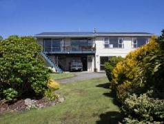 Kowhai Lane Lodge | New Zealand Budget Hotels