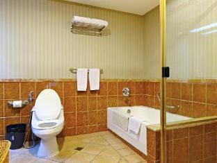 Greenstone Serviced Residences Makati Manila - 2 Bedroom Bathroom