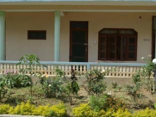 Hotel Jungle Vista Читван