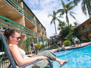 Airlie Beach YHA Whitsunday Islands - Yüzme havuzu
