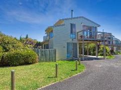 Coral Reef Holiday House