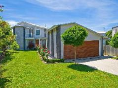 Bay Outlook Holiday House | Australia Budget Hotels