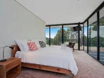 Cypress Hill Holiday House: guest room