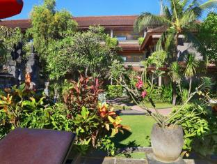 Satriya Cottages Bali - Peaceful garden view