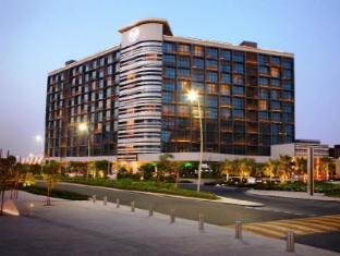 /fi-fi/yas-island-rotana-hotel/hotel/abu-dhabi-ae.html?asq=m%2fbyhfkMbKpCH%2fFCE136qYJRdE464HeXLhW1hzlGqr6vuOw7uEHTQGi6NHJBdN93