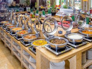 Khalidiya Palace Rayhaan by Rotana Abu Dhabi - Buffet at Horizon