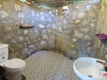 Khoun & Khone Bungalow: bathroom