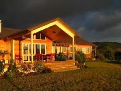 Kaimai Country Lodge | New Zealand Budget Hotels