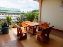Phetmanyxay Hotel: balcony/terrace