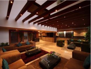 /sv-se/hotel-luminous-one-continent/hotel/hyderabad-in.html?asq=vrkGgIUsL%2bbahMd1T3QaFc8vtOD6pz9C2Mlrix6aGww%3d