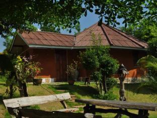 Baandin Huaipung Resort