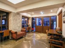 Comma Hotel: lobby