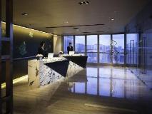 L'hotel elan: lobby