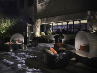 L'hotel elan Hong Kong - Balcony/Terrace