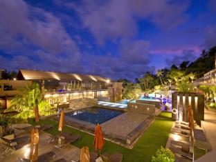 Sunsuri Phuket Hotel Phuket - Pool Night Time