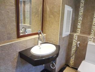 Maleez Lodge Hotel and Restaurant Pattaya - Suite Room