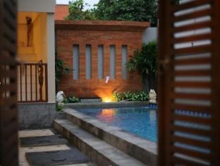 Abian Residence