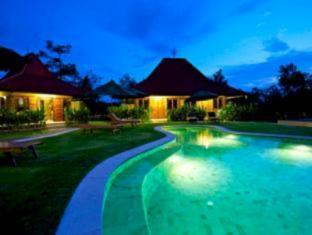 Three Monkeys Villas Bali - Swimming Pool