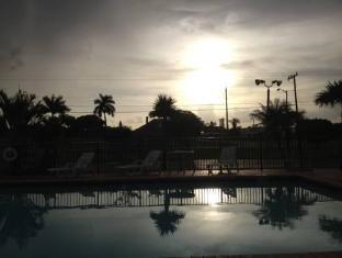 /budget-host-inn-florida-city/hotel/florida-city-fl-us.html?asq=jGXBHFvRg5Z51Emf%2fbXG4w%3d%3d