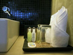 The Ocean Front Hotel Colombo - Bathroom