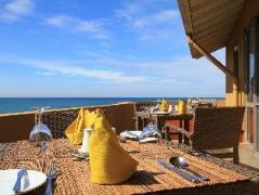 The Ocean Front Hotel Sri Lanka