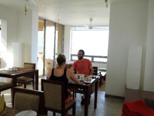 The Ocean Front Hotel Colombo - Restaurant