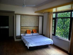 Hotel Grand Kashmir