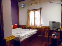 Chansavang Guesthouse: guest room