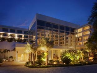 /radisson-blu-plaza-hotel-hyderabad-banjara-hills/hotel/hyderabad-in.html?asq=jGXBHFvRg5Z51Emf%2fbXG4w%3d%3d