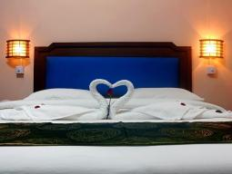 Kraljevski apartma, dve ločeni postelji