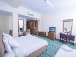 โรงแรมเอเซียพลาซ่า