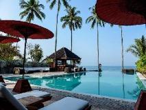 Amara Ocean Resort: swimming pool
