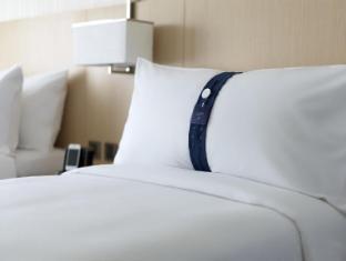 Holiday Inn Express Hong Kong Kowloon East Hong Kong - Pillow