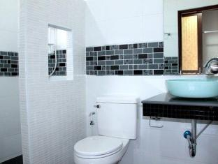 Nongying Resort Pattaya - Bathroom