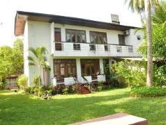 Blue Lagoon Homestay | Sri Lanka Budget Hotels