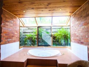 Perricoota Vines Retreat Moama - Bathroom