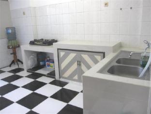 Providence Homestay Surabaya - Bathroom