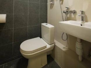 Panda's Hostel - Stylish Hong Kong - Bathroom