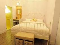 Antique B&B: guest room