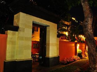 The Hill Ungasan Guest House Bali - Entrance