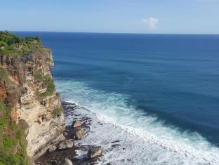 The Hill Ungasan Guest House Bali - Uluwatu Beach