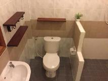 Villa Thakhek: bathroom