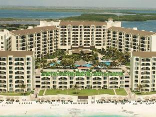 /the-royal-islander-an-all-suites-resort/hotel/cancun-mx.html?asq=jGXBHFvRg5Z51Emf%2fbXG4w%3d%3d