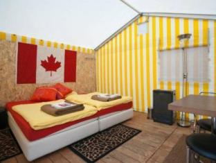 /the-tent-village/hotel/interlaken-ch.html?asq=vrkGgIUsL%2bbahMd1T3QaFc8vtOD6pz9C2Mlrix6aGww%3d