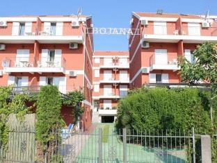 /villa-bojana/hotel/budva-me.html?asq=vrkGgIUsL%2bbahMd1T3QaFc8vtOD6pz9C2Mlrix6aGww%3d