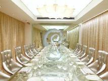 The Luxe Manor: ballroom