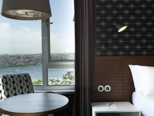 /the-marmara-pera-hotel/hotel/istanbul-tr.html?asq=GzqUV4wLlkPaKVYTY1gfioBsBV8HF1ua40ZAYPUqHSahVDg1xN4Pdq5am4v%2fkwxg