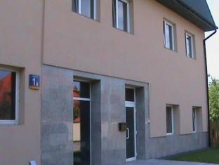 /apartamenty-okecie/hotel/warsaw-pl.html?asq=jGXBHFvRg5Z51Emf%2fbXG4w%3d%3d